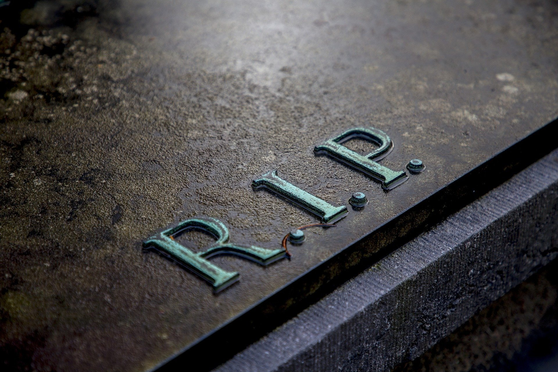 What are the Benefits of Settling Versus Going to Trial in a California Wrongful Death Claim?